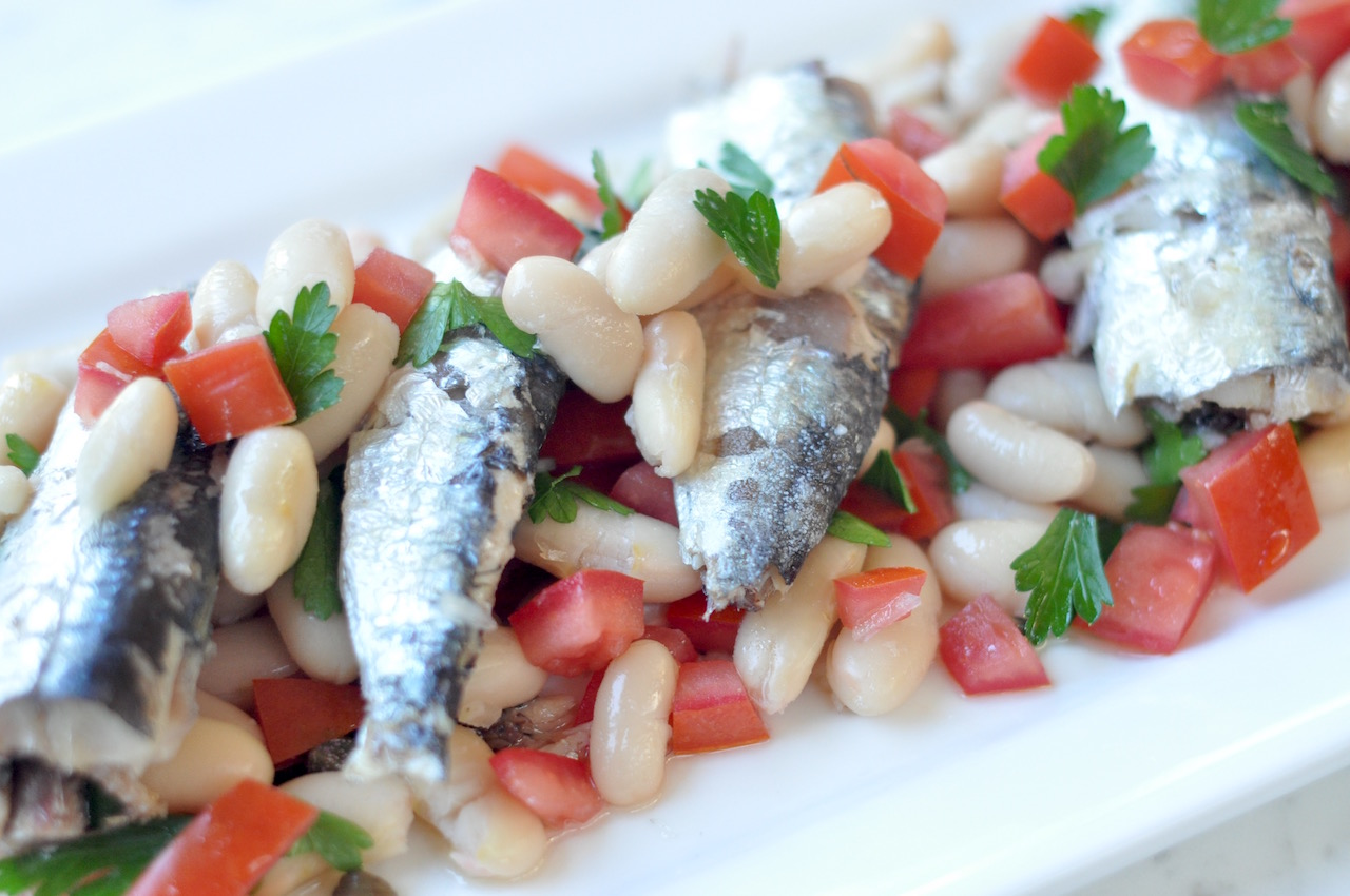Sardine and white bean salad